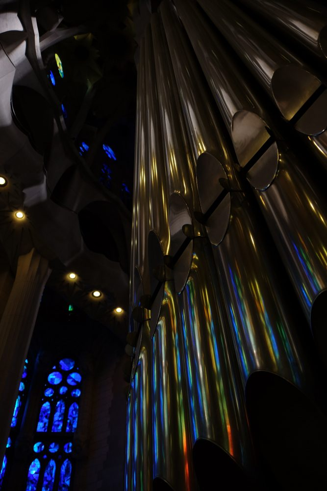sagrada familia organ 667x1000 - A visit to the Sagrada Familia in Barcelona, Spain