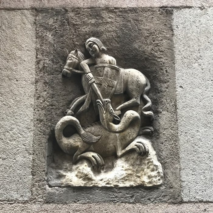 sant jordi carving barcelona gothic quarter 700x700 - The top 10 things to do in the Gothic Quarter of Barcelona