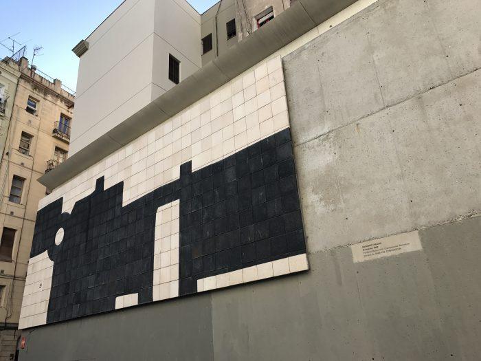barcelona mural g 333 eduardo chillida 700x525 - A visit to MACBA - Museu d'Art Contemporani de Barcelona