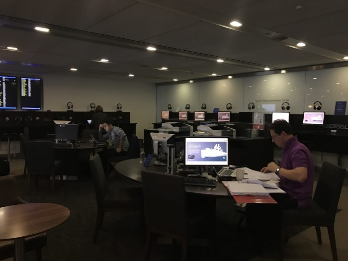 british airways galleries lounge london heathrow lhr terminal 3 business center 700x525 - British Airways Galleries Lounge London Heathrow LHR Terminal 3 review