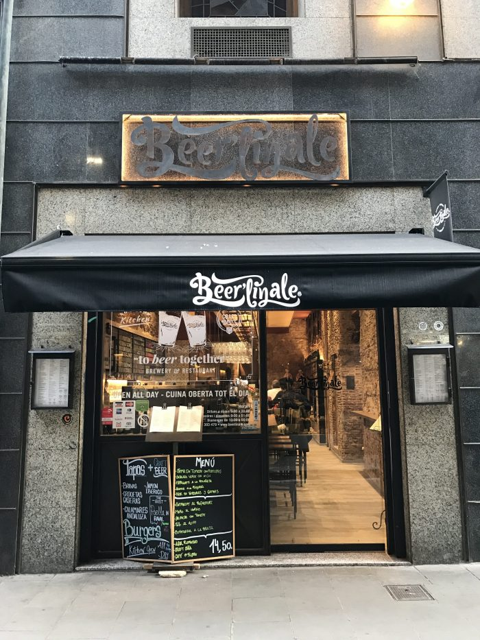 craft beer barcelona beerlinale 700x933 - The best craft beer in Barcelona, Spain