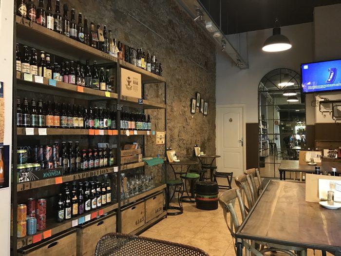 craft beer barcelona lespumossa 700x525 - The best craft beer in Barcelona, Spain