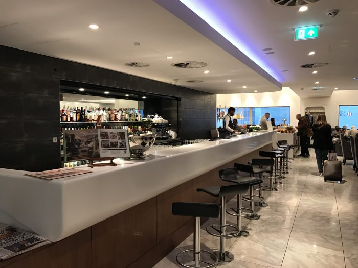 no 1 traveler lounge london heathrow 700x525 - No 1 Traveler Lounge London Heathrow LHR review