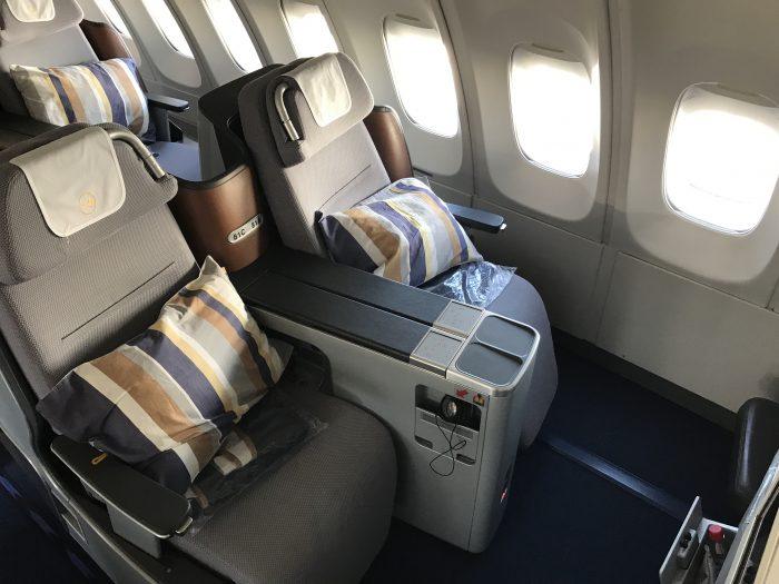 lufthansa business class boeing 747 400 denver den to frankfurt fra 700x525 - Lufthansa Business Class Boeing 747-400 Denver DEN to Frankfurt FRA review