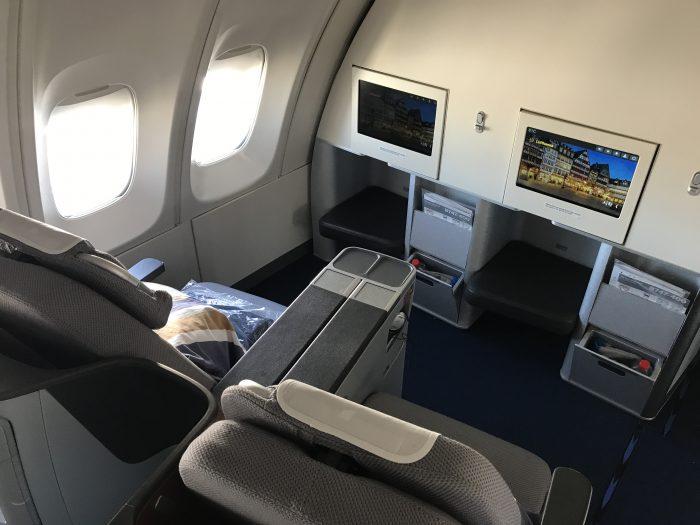 lufthansa business class boeing 747 400 denver den to frankfurt fra seating 700x525 - Lufthansa Business Class Boeing 747-400 Denver DEN to Frankfurt FRA review