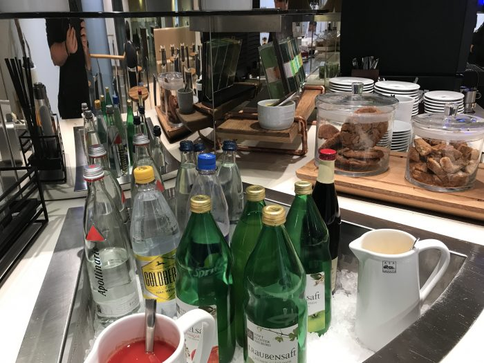 lufthansa welcome lounge frankfurt airport drinks 700x525 - Lufthansa Welcome Lounge Frankfurt Airport FRA review