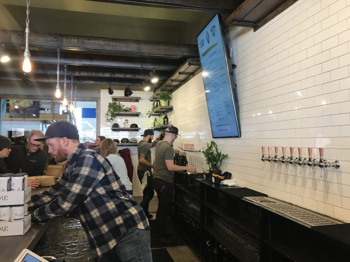 dancing gnome brewery craft beer pittsburgh 700x525 - The best craft beer in Pittsburgh, Pennsylvania