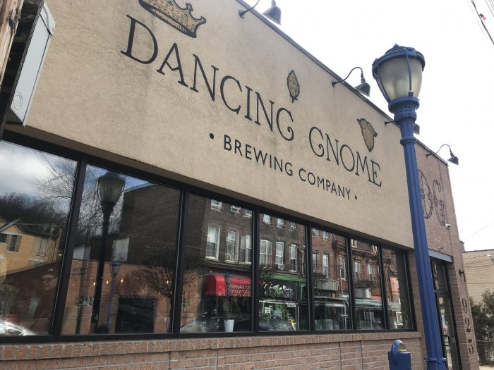 dancing gnome brewing craft beer pittsburgh 700x525 - The best craft beer in Pittsburgh, Pennsylvania