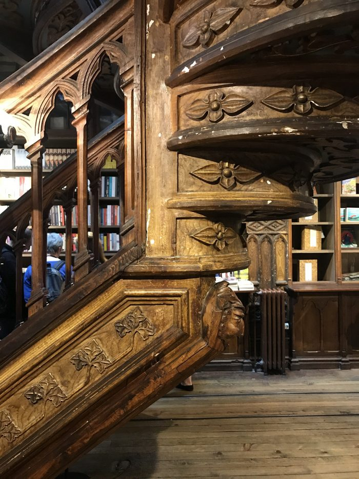 livraria lello woodwork jk rowling harry potter porto 700x933 - How to have a Harry Potter & JK Rowling experience in Porto, Portugal