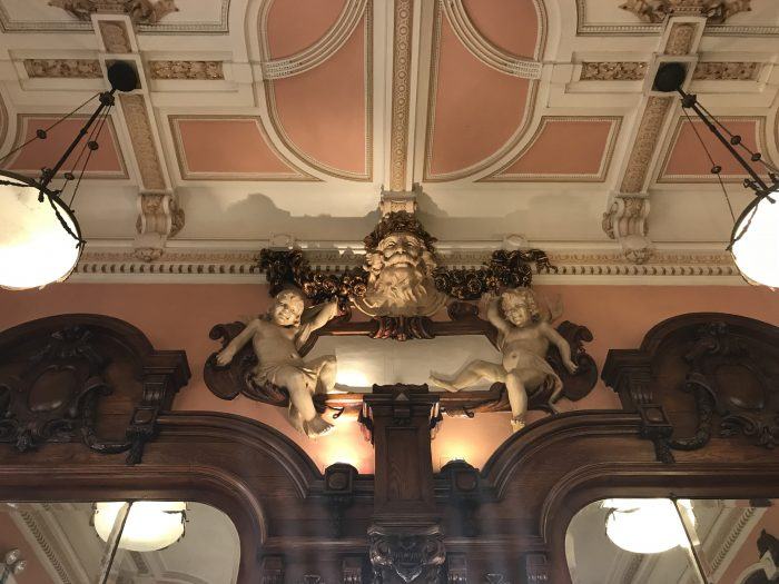 majestic cafe ceiling porto 700x525 - How to have a Harry Potter & JK Rowling experience in Porto, Portugal