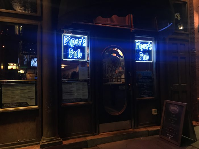 pipers pub craft beer pittsburgh 700x525 - The best craft beer in Pittsburgh, Pennsylvania