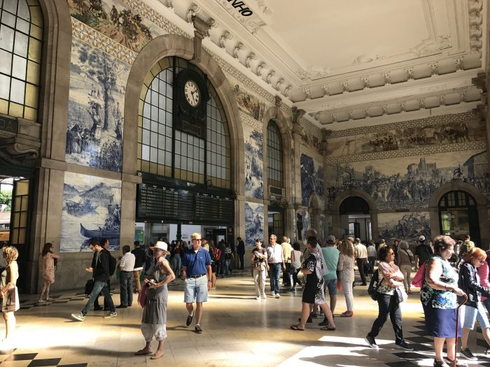 sao bento train station porto 700x525 - How to have a Harry Potter & JK Rowling experience in Porto, Portugal
