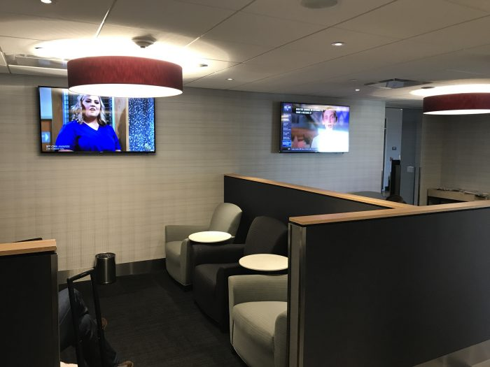 the club pittsburgh lounge priority pass 700x525 - The Club at Pittsburgh International Airport review