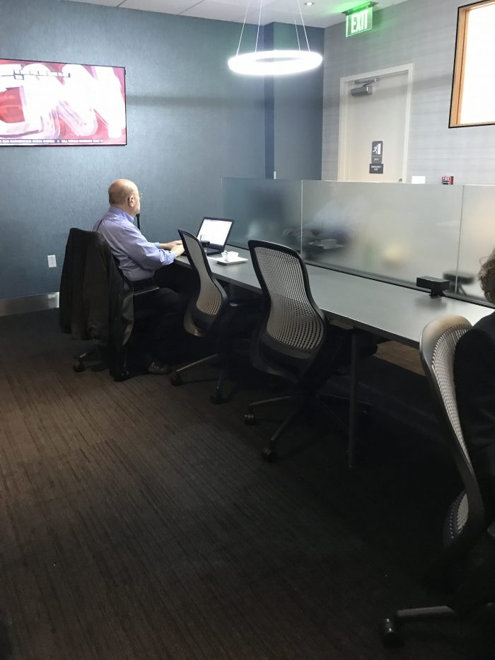 the club pittsburgh lounge productivity zone 700x933 - The Club at Pittsburgh International Airport review