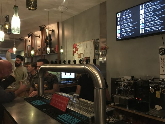 catraio craft beer shop porto 700x525 - The best craft beer in Porto, Portugal
