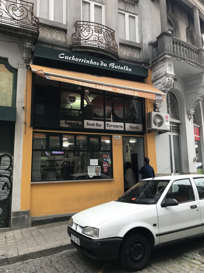 cervejaria gazela cachorrinhos da batalha 700x933 - The best craft beer in Porto, Portugal