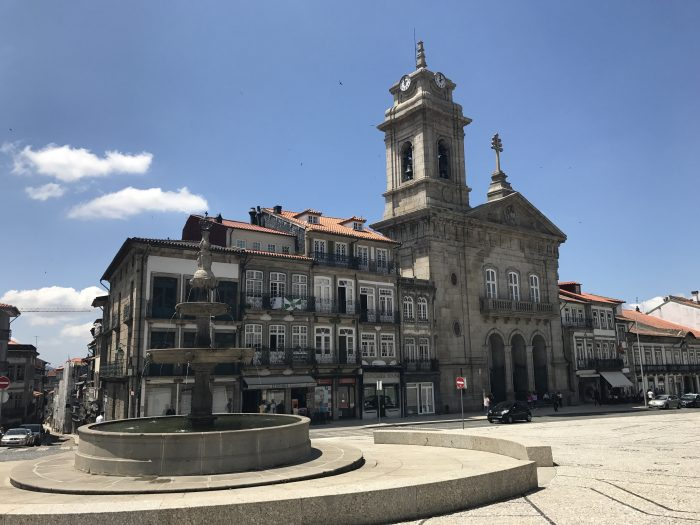 day trip to guimaraes largo do toural 700x525 - A day trip from Porto to Guimarães, Portugal
