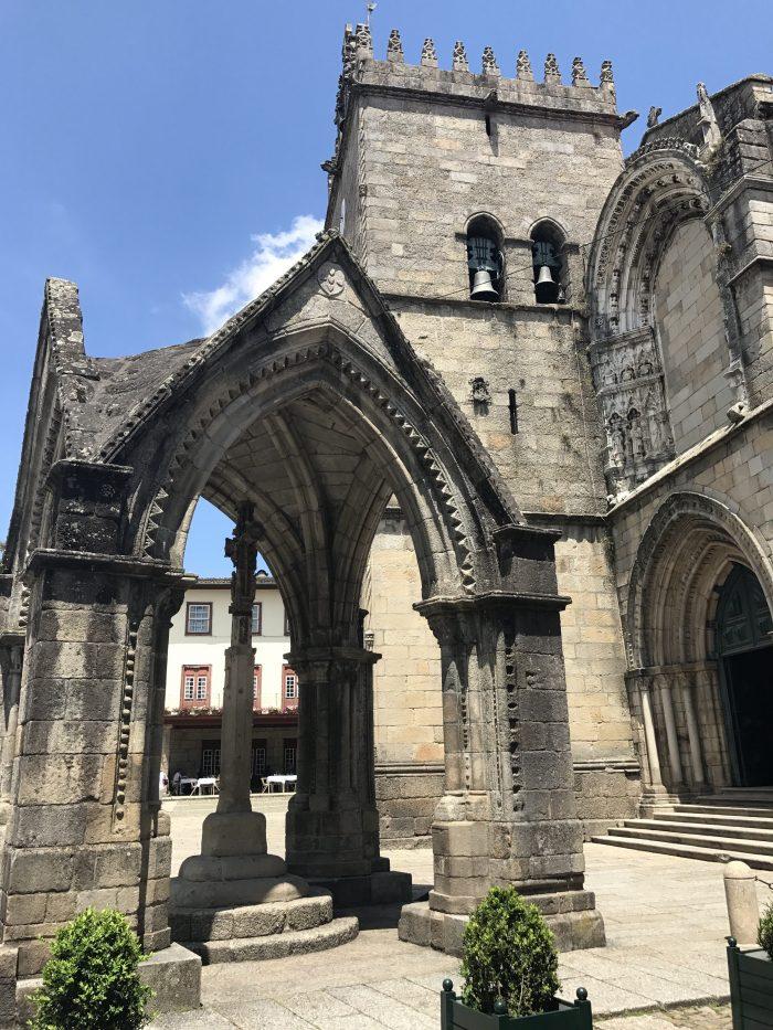 day trip to guimaraes padrao do salado 700x933 - A day trip from Porto to Guimarães, Portugal
