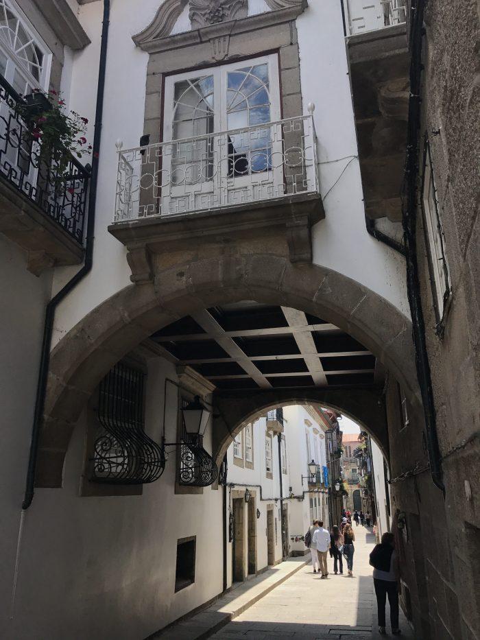 day trip to guimaraes rua de santa maria 700x933 - A day trip from Porto to Guimarães, Portugal