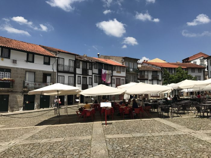 day trip to guimaraes town square 700x525 - A day trip from Porto to Guimarães, Portugal