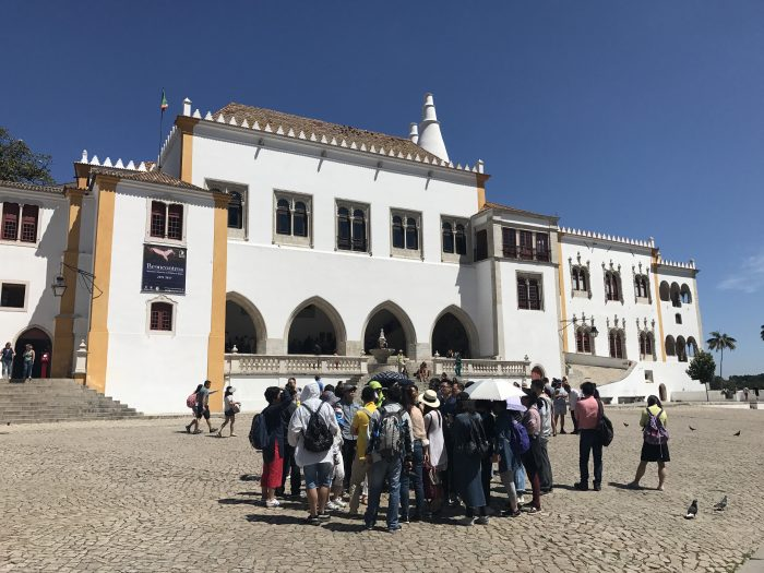day trip to sintra national palace 700x525 - A day trip from Lisbon to Sintra, Portugal - Castle of the Moors & Pena National Palace