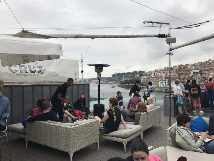 espaco porto cruz 700x525 - The guide to port tasting in Porto, Portugal