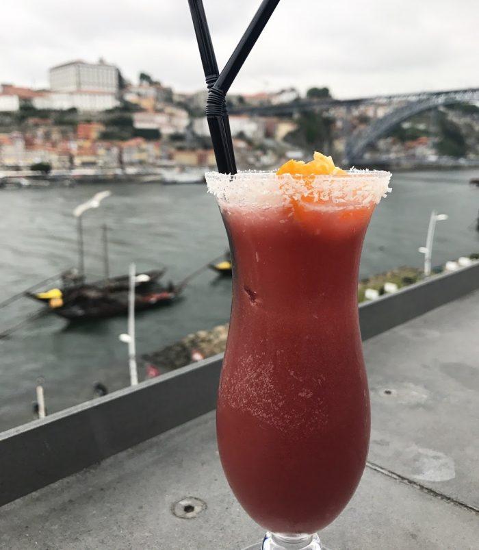 espaco porto cruz port tasting porto 700x803 - The guide to port tasting in Porto, Portugal