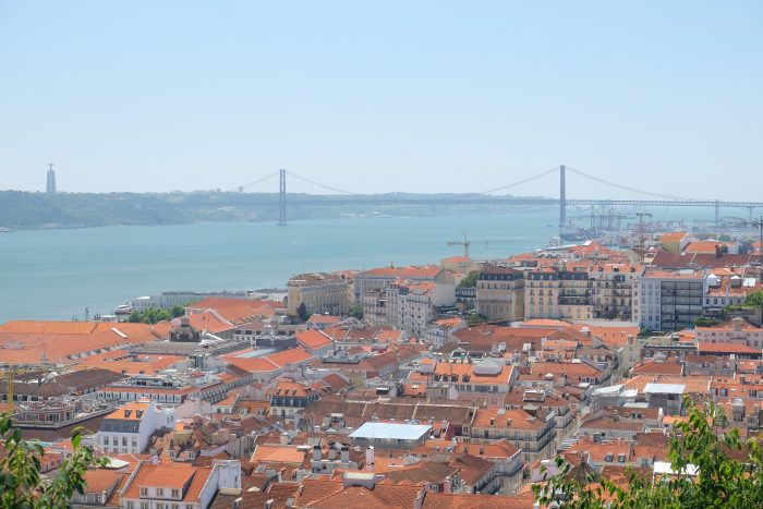 ponte 25 de abril 700x467 - A visit to Sao Jorge Castle & Alfama in Lisbon, Portugal
