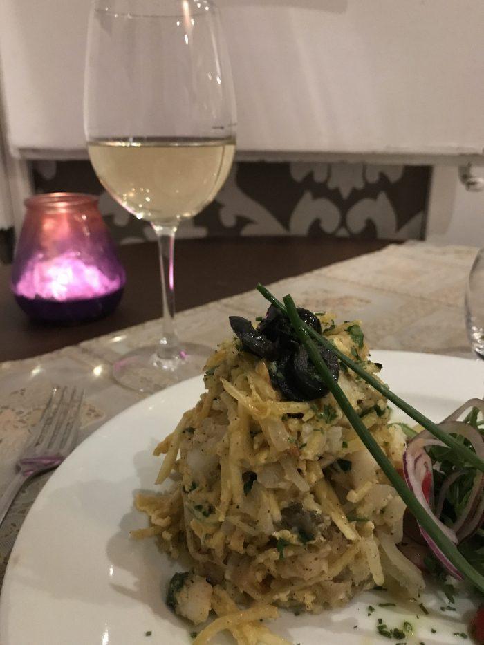 restaurante carmo bacalhau a bras seafood lisbon 700x933 - The best seafood restaurants in Lisbon, Portugal