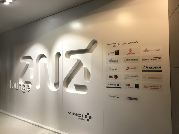 ana lounge lisbon access airlines 700x525 - ANA Lounge Lisbon Airport LIS review