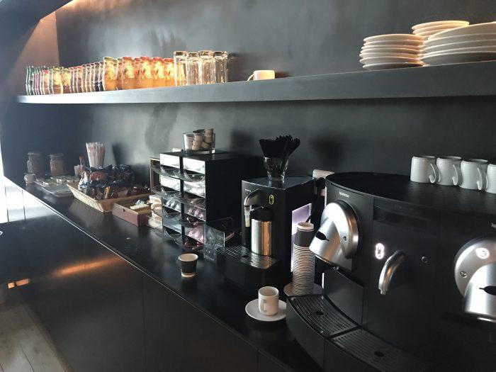 ana lounge lisbon nespresso coffee 700x525 - ANA Lounge Lisbon Airport LIS review
