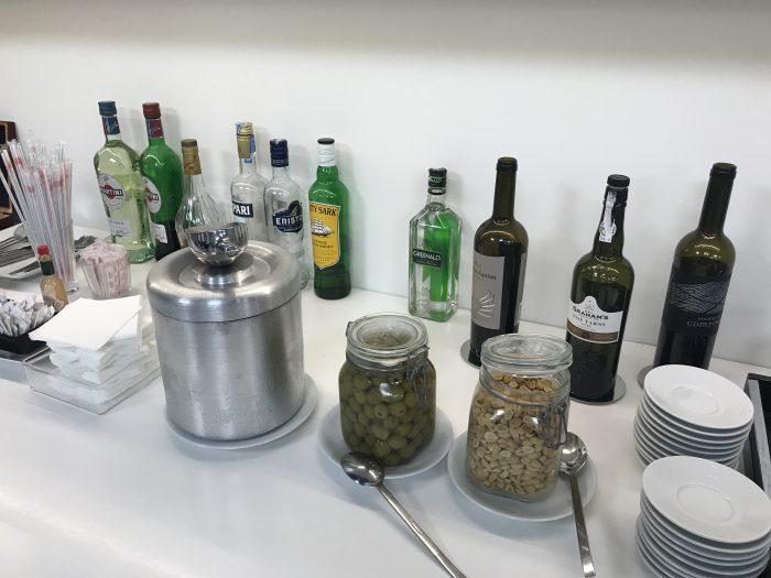 ana lounge lisbon port wine liquor 700x525 - ANA Lounge Lisbon Airport LIS review