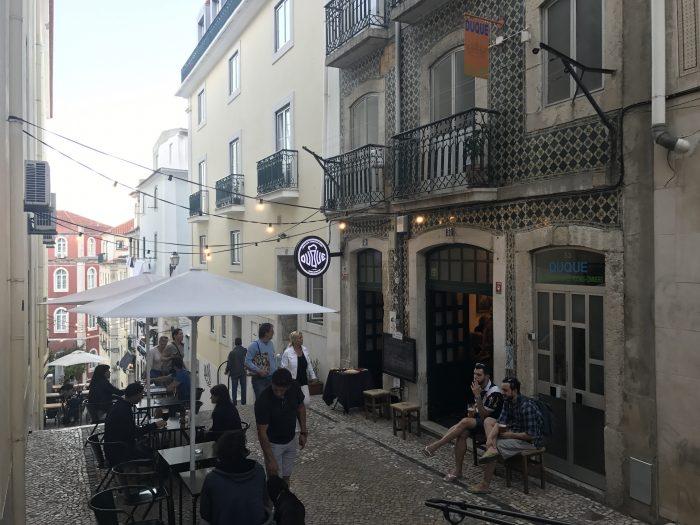 duque brewpub lisbon 700x525 - The best craft beer in Lisbon, Portugal