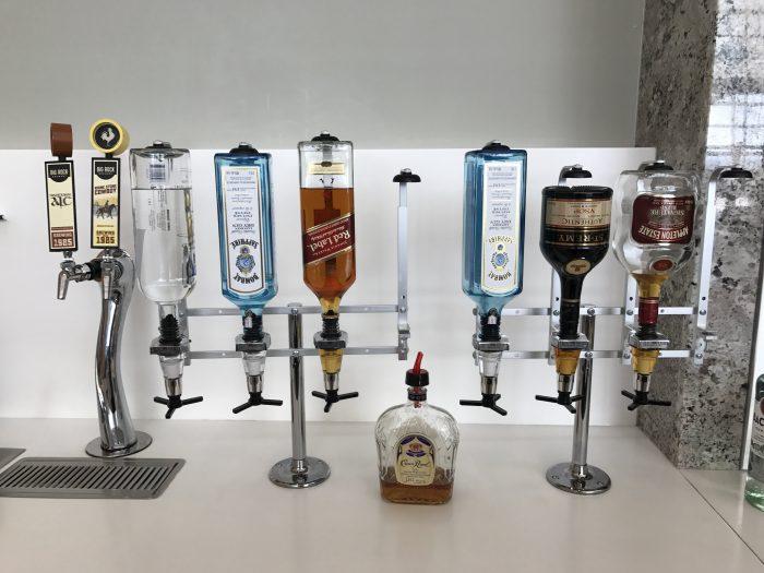 aspire lounge transborder departures calgary airport yyc alcohol 700x525 - Aspire Lounge Transborder Departures Calgary Airport YYC review