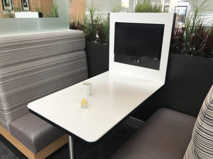 aspire lounge transborder departures calgary airport yyc dining room 700x525 - Aspire Lounge Transborder Departures Calgary Airport YYC review