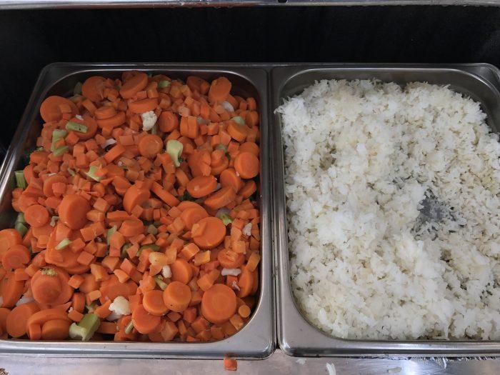 aspire lounge transborder departures calgary airport yyc veggies rice 700x525 - Aspire Lounge Transborder Departures Calgary Airport YYC review
