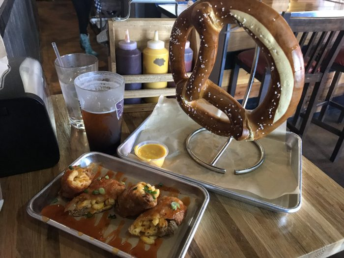 bubbas bones brews food craft beer bar palm springs 700x525 - The best craft beer in Palm Springs - Palm Desert - Coachella Valley, California