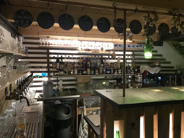 pivotecka craft beer bar pilsen 700x525 - The best craft beer in Pilsen, Czech Republic