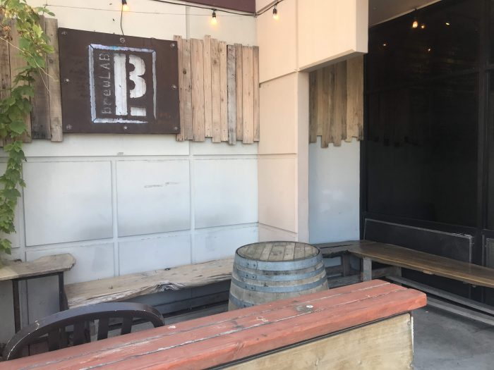 brewlab carpinteria 700x525 - The best craft beer in Carpinteria, California