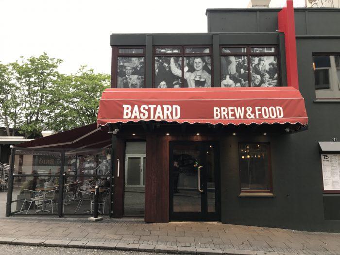 craft beer in reykjavik bastard brew food 700x525 - The best craft beer in Reykjavik, Iceland