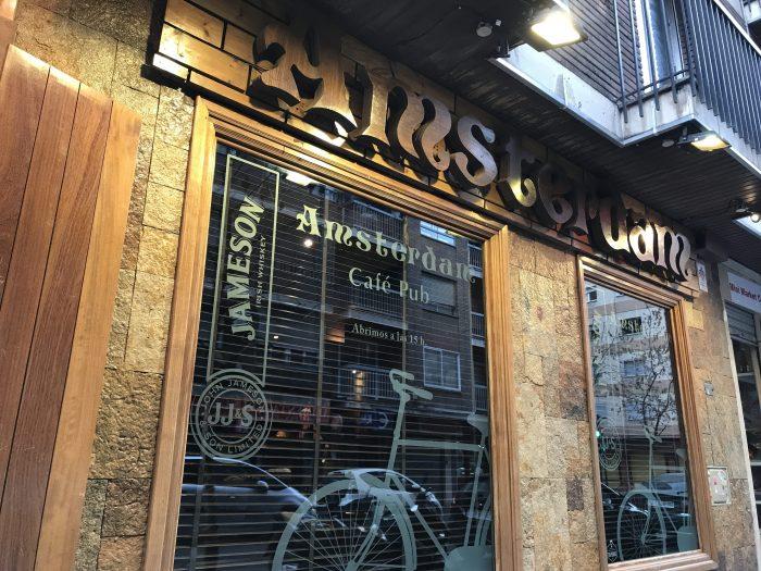 amsterdam cafe craft beer granada 700x525 - The best craft beer in Granada, Spain