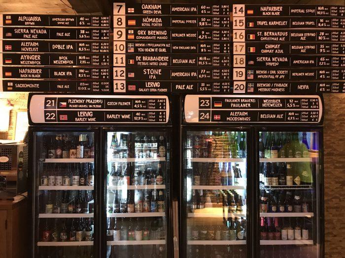colagallo craft beer bar granada 700x525 - The best craft beer in Granada, Spain