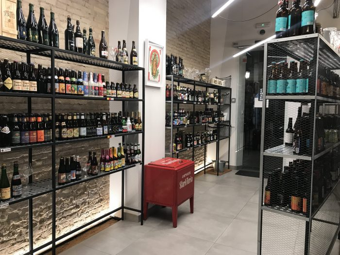 la boutique de la cerveza craft beer valencia spain 700x525 - The best craft beer in Valencia, Spain