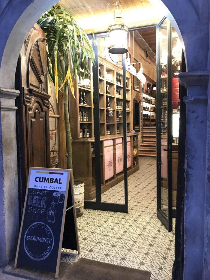 la hermosa cerveza sacromonte craft beer granada 700x933 - The best craft beer in Granada, Spain