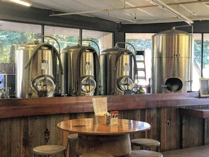 bière artisanale sud du sud cotati 700x525 - La meilleure bière artisanale de Cotati, en Californie