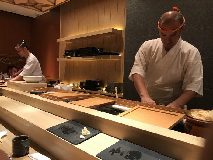 manten sushi 700x525 - Eating omakase at Manten Sushi Marunouchi in Tokyo, Japan