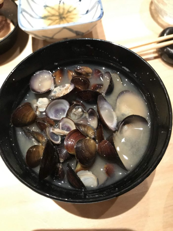 manten sushi marunouchi omakase clam miso soup 700x933 - Eating omakase at Manten Sushi Marunouchi in Tokyo, Japan