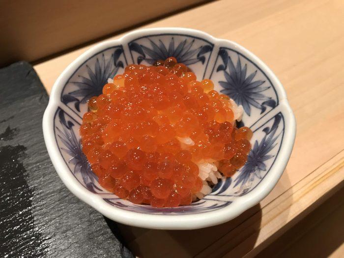 manten sushi marunouchi omakase salmon roe 700x525 - Eating omakase at Manten Sushi Marunouchi in Tokyo, Japan