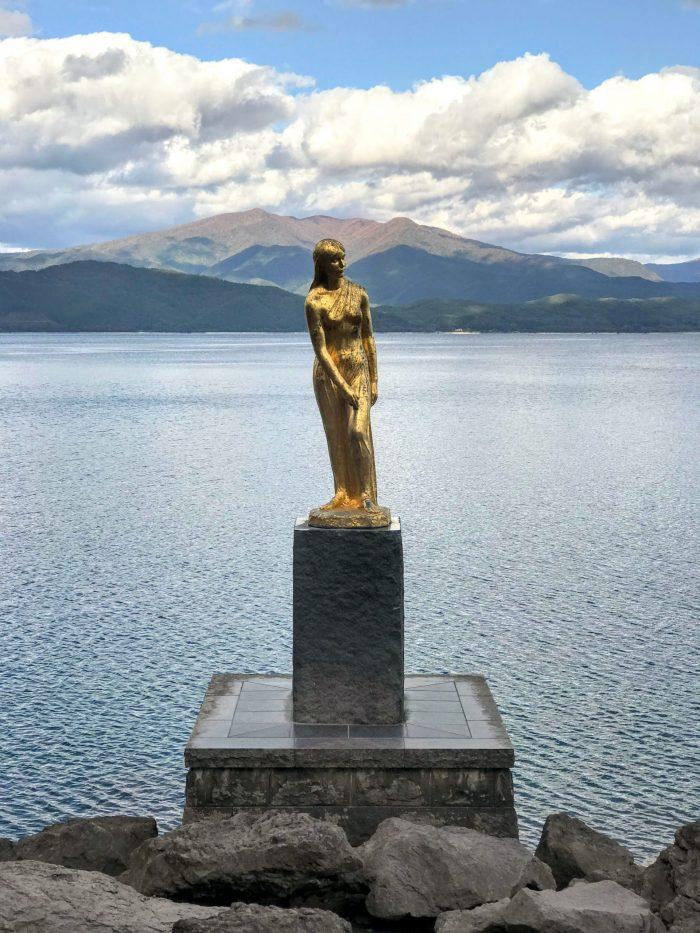 statue of tatsuko lake tazawa 700x933 - A day trip from Morioka to Lake Tazawa, Japan