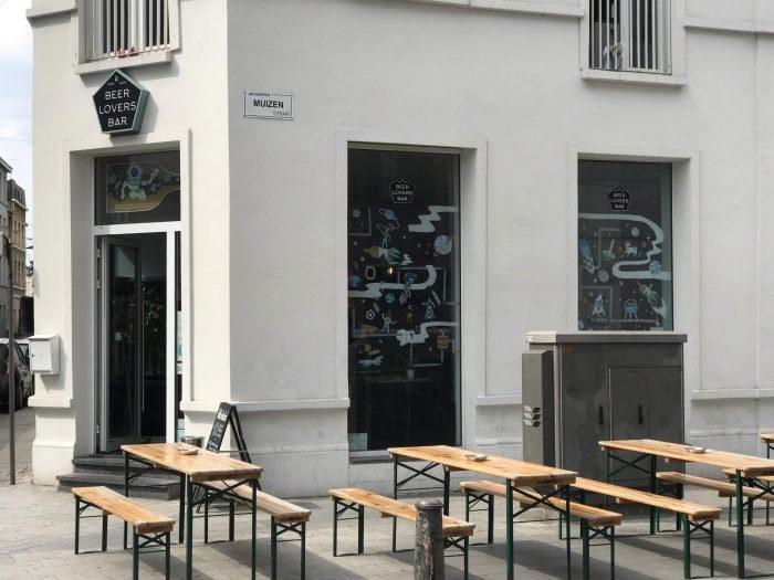 beer lovers bar craft beer antwerp 700x525 - The best craft beer in Antwerp, Belgium